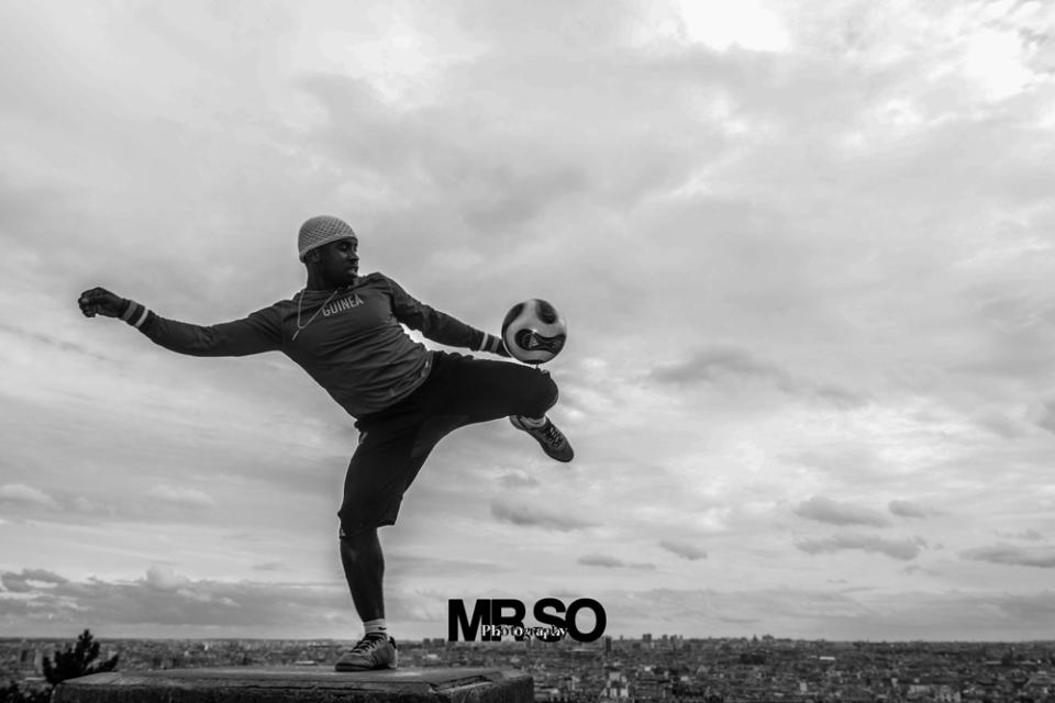 Photo d'Iya traore football freestyle artist par mrso.fr photographe sportif et danse à Orléans, Loiret et Centre Val de Loire