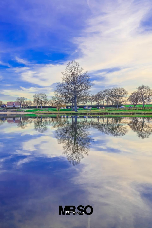 Le lac de Lapeyrouse par mrso.fr photographe paysage, architecture et immobilier à Orléans, 45, Loiret et Centre Val de Loire