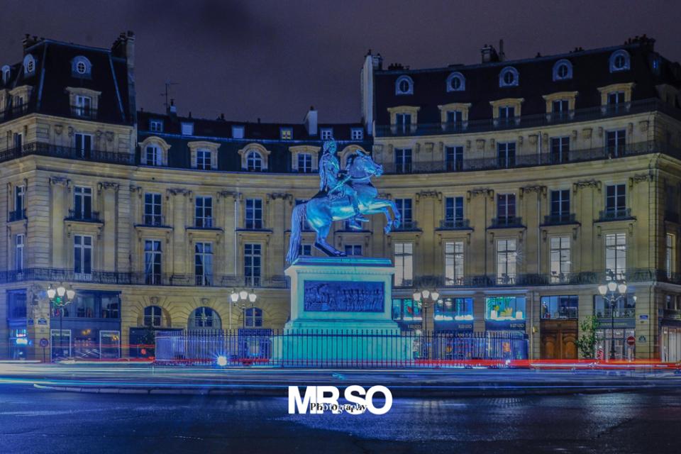La place des victoires Paris par mrso.fr photographe paysage, architecture et immobilier à Orléans, 45, Loiret et Centre Val de Loire