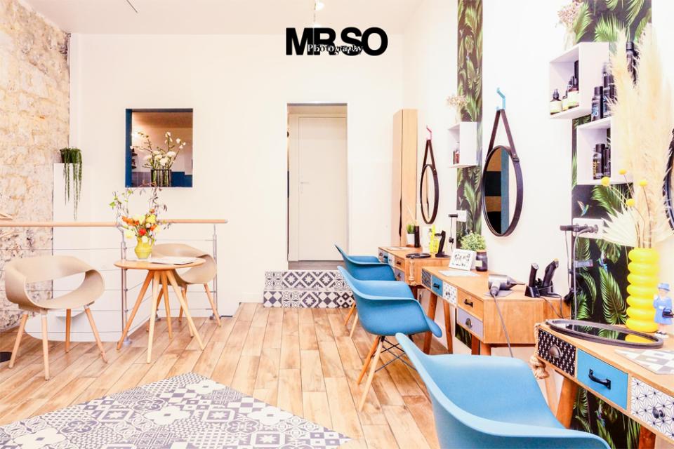 Photo intérieur du salon de coiffure, par mrso.fr photographe immobilier et architecture à Orléans 45, Loiret et Centre Val de Loire