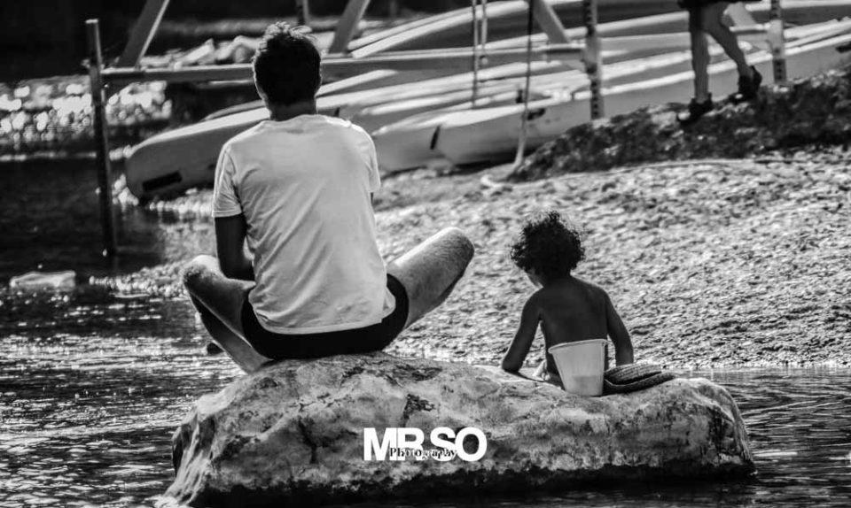 photo de complicité entre père et fils