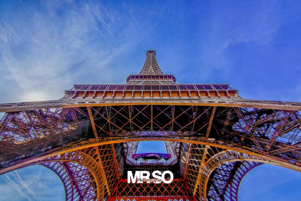 paysage et architecture de la Tour Eiffel par mrso.fr photographe paysage, architecture et immobilier à Orléans, 45, Loiret et Centre Val de Loire